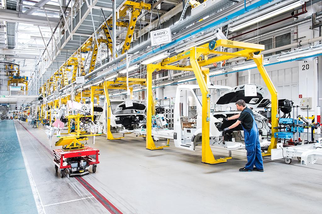 На заводе Mercedes в Людвигсфельде