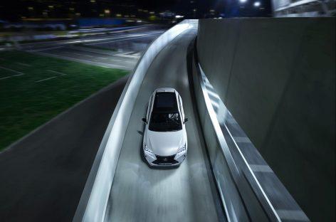 Lexus снижает цены на кроссовер NX
