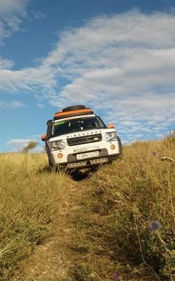 Land Rover Discovery покоряет гору Магнитную