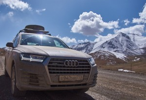Волок Туркестан 2015 Audi Q7 Памир