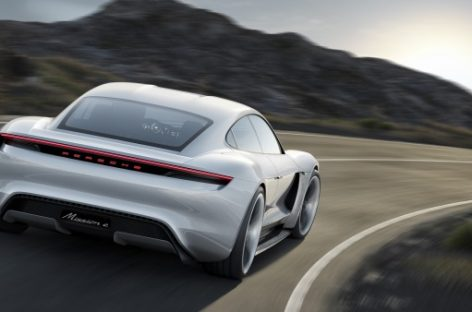 Porsche начнет производство Mission E