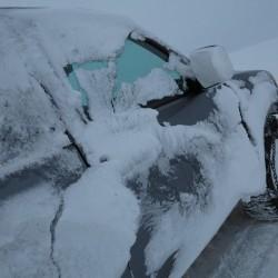 Индига экспедиция ford залеплен снегом