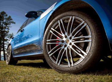 Покатушки на Porsche у озера Хубсугул