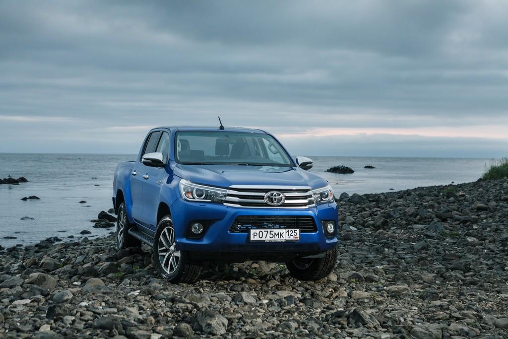 Toyota Hilux 2015 года выпуска