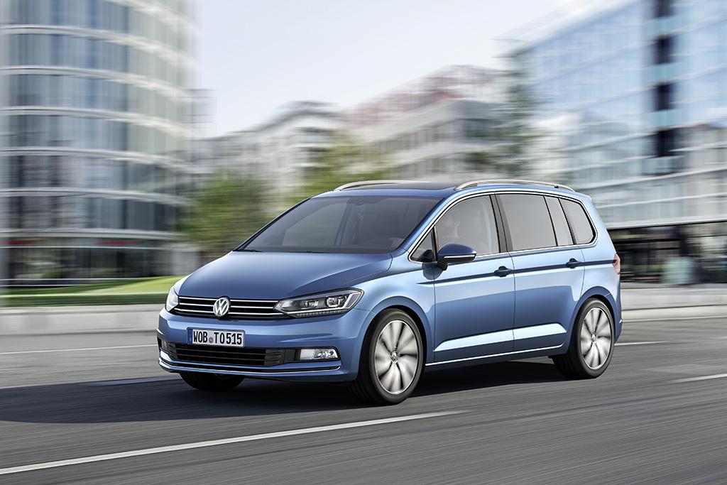 Volkswagen Touran третьего поколения 2015