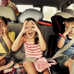 Глава ГИБДД предложил снизить разрешенную скорость при перевозке детей