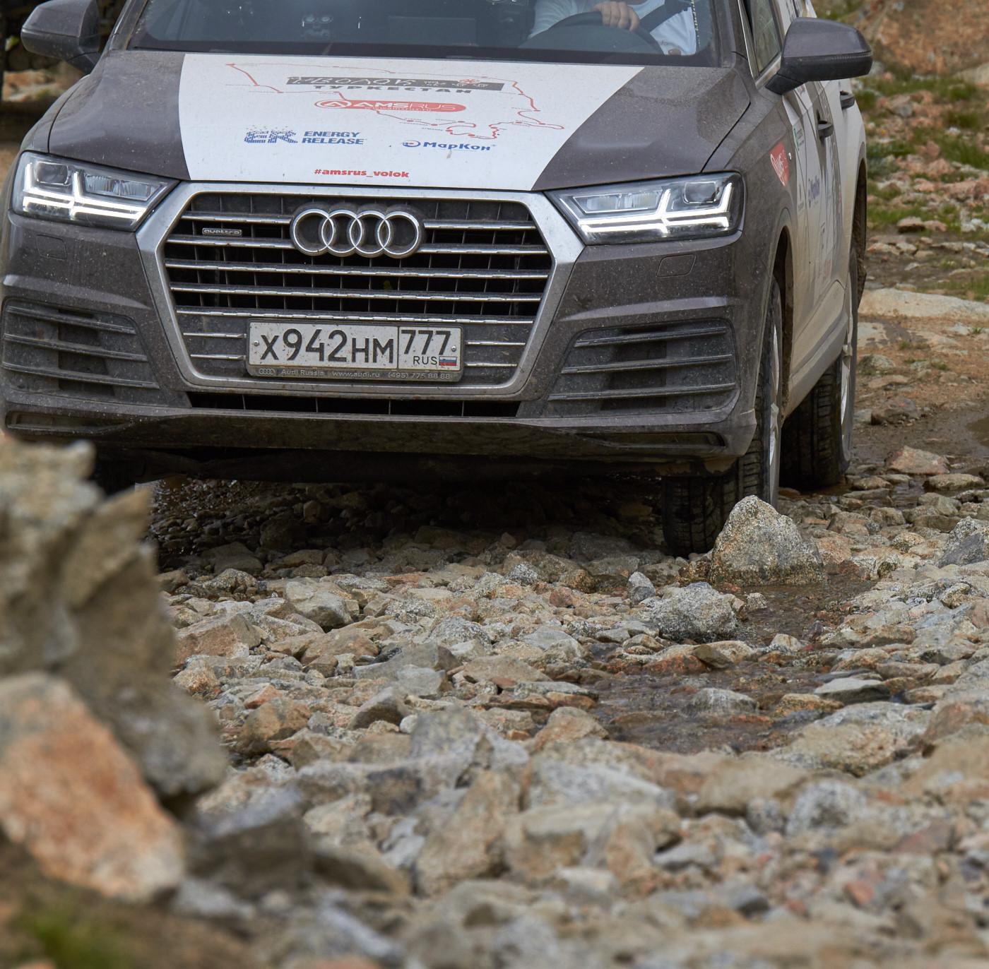 Audi Q7 2015 3.0 333 л.с. TFSI на перевале Тосор