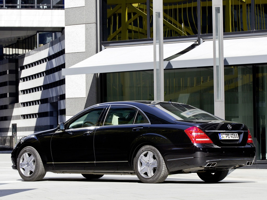 Mercedes-Benz S 600 Guard W221