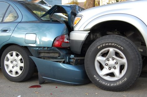 Водитель, спровоцировавший ДТП, должен остановиться