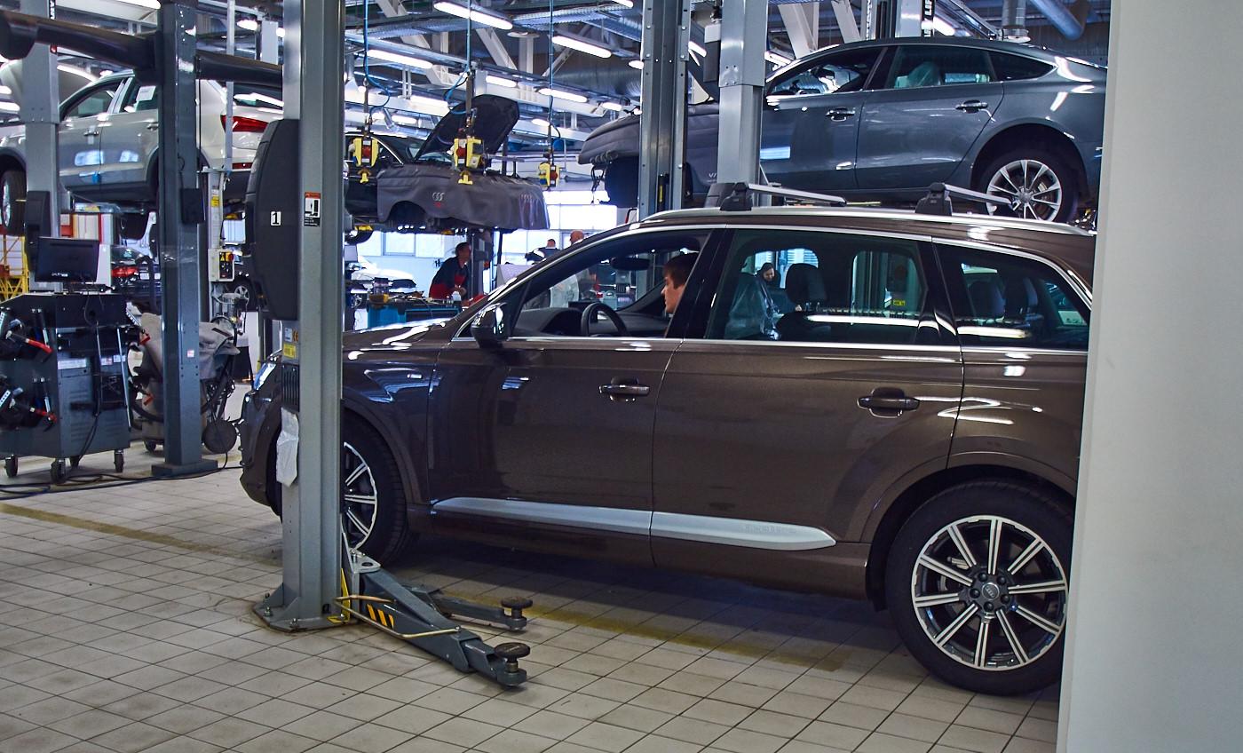 Audi Q7 после участия в экспедиции Волок-Туркестан 2015 на диагностике