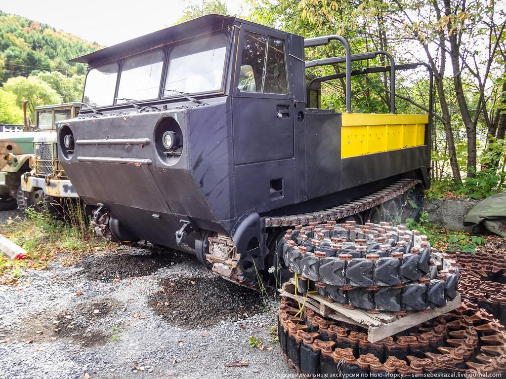 Гусеничный грузовик M548