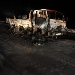 Сгоревший грузовик на российском севере. Северная автомобильная экспедиция