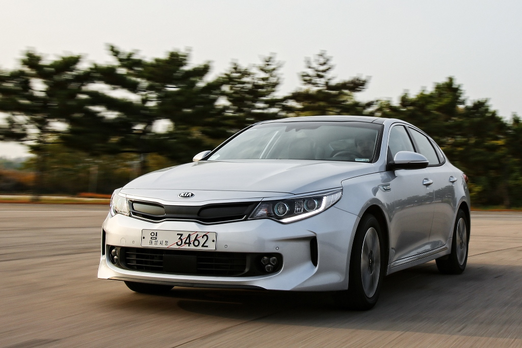 KIA Optima Hybrid второго поколения 2016