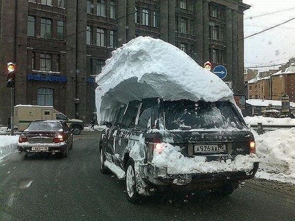 Когда лень чистить автомобиль от снега