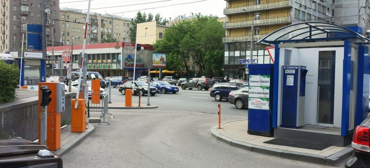 Плоскостные парковки стоят недоделанными