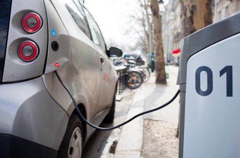 Во Франции решили платить за переход на электромобили
