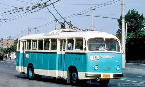 Нельзя не отметить поразительное сходство первого корейского троллейбуса «Чёллима 9.11» с китайским «Цзиньхуа» – Jinghua BK561