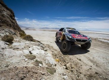 Торжество команды Peugeot