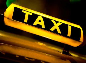 Налоговая лишила лицезии 6,5 тысяч такси в Подмосковье
