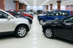 В России становится меньше автомобильных салонов
