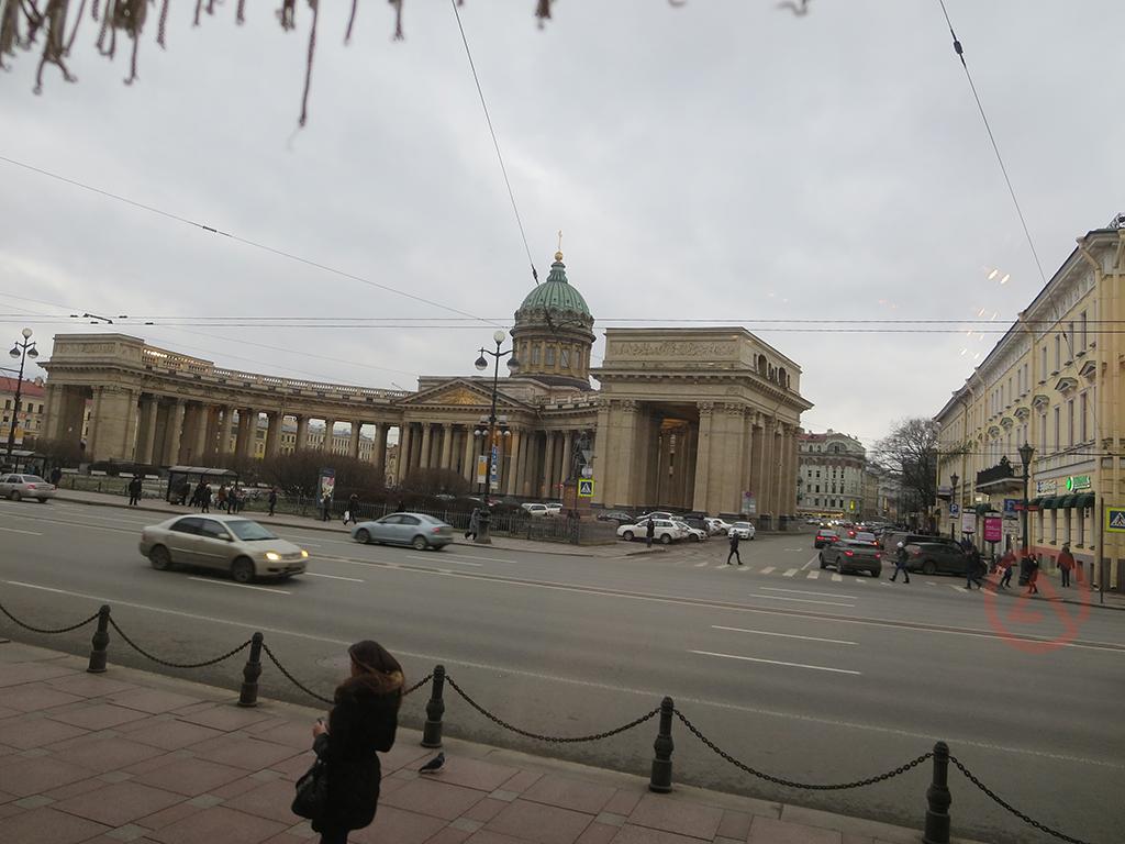 Бесплатные окрестности Казанского собора