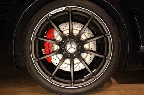 Черный Mercedes – что может быть красивее!