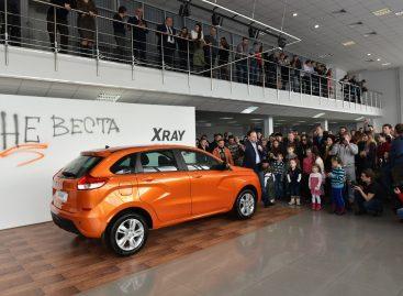 АвтоВАЗ начал продажи Lada XRay
