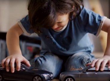 Mercedes: игрушки со смыслом