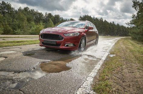 Ford воссоздал худшие дороги мира