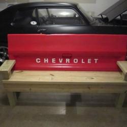 Скамейки из автомобилей