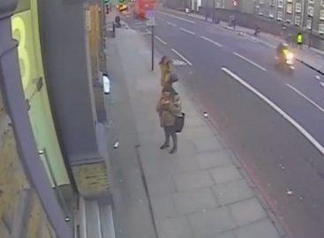 Вот так грабят в Лондоне