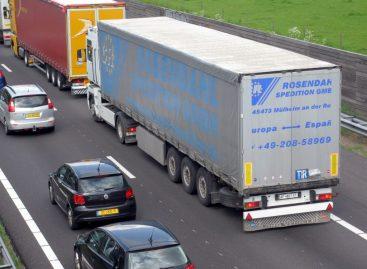 Украинским грузовикам запретили ездить в России