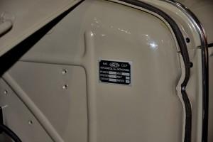 Поддельная табличка под капотом ГАЗ-АА