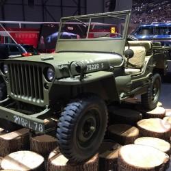 юбилейные версии Jeep 75 Anniversary