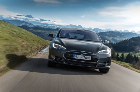 Tesla обновит системы автопилота