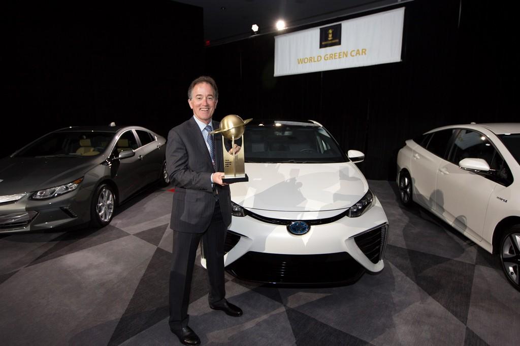 Toyota Mirai признан лучшим экологичным автомобилем в мире