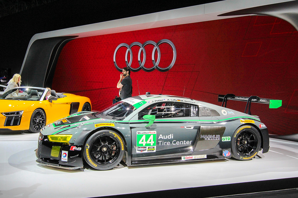 Audi R8 LMS. Автосалон в Нью-Йорке