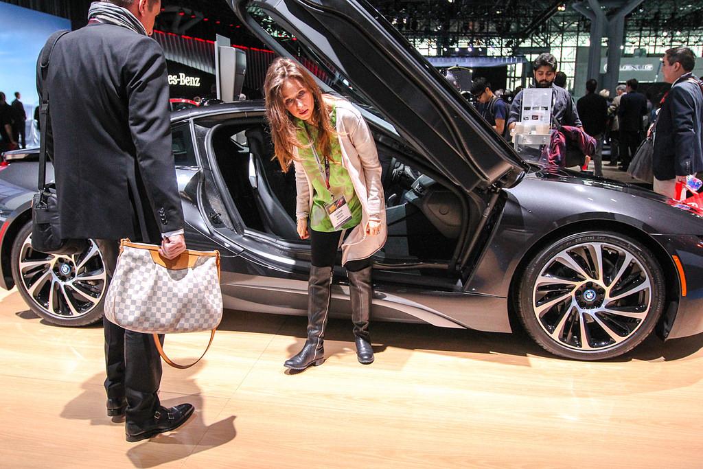 BMW. Автосалон в Нью-Йорке