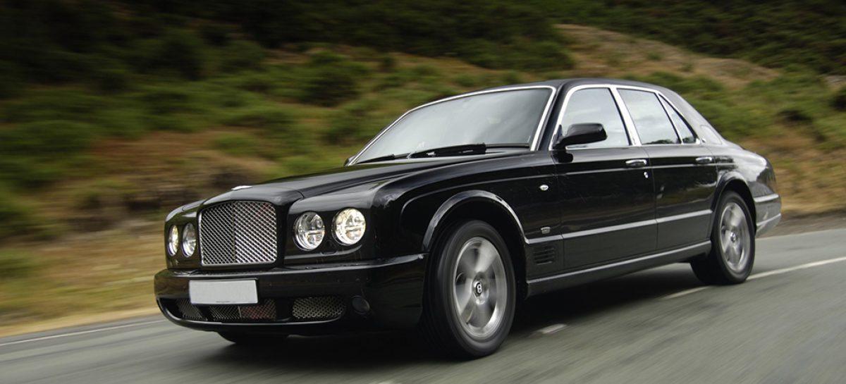 У Дмитрия Медведева два автомобиля – ГАЗ-20 и ГАЗ-21