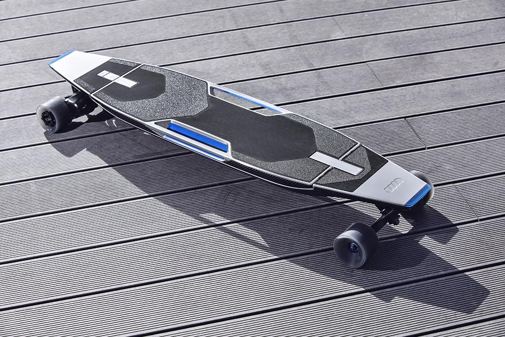 Концепткар на базе Audi Q3 с лонгбордом