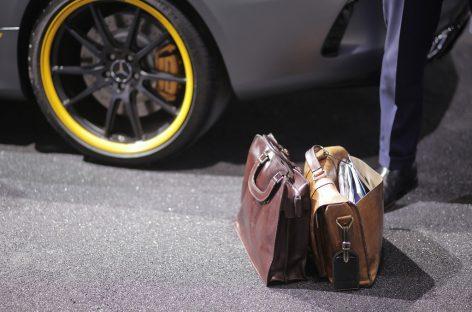 В России в 12 раз выросли цены на элитные автосалоны