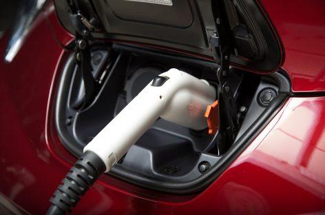 Nissan Leaf стал самым экологичным автомобилем 2018 года