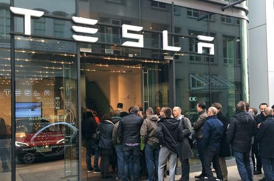 Очереди за Tesla Model 3 в США