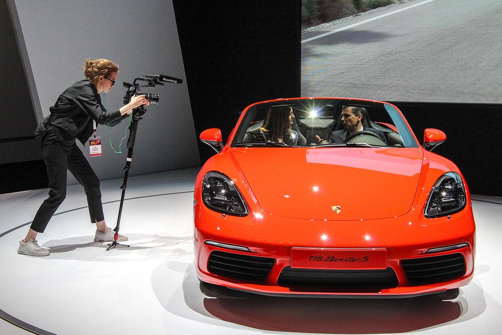 Porsche 718 Boxster. Автосалон в Нью-Йорке