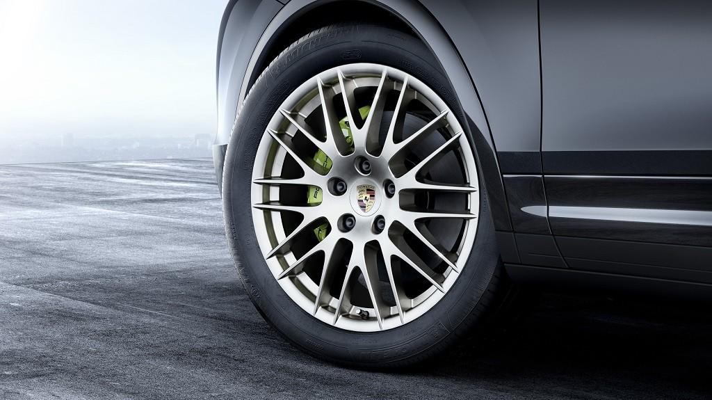 Porsche Cayenne Platinum Edition 2016