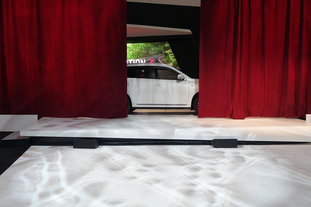Премьера Mitsubishi Outlander PHEV. Автосалон в Нью-Йорке