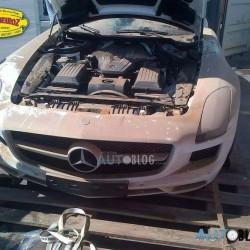 Mercedes в контейнере