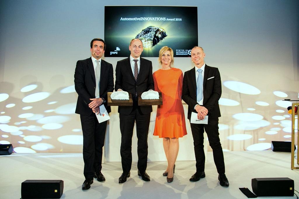 Победа Audi в конкурсе Automotive Innovation Award