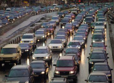 Московских водителей предупредили о серьезных пробках после 15:00