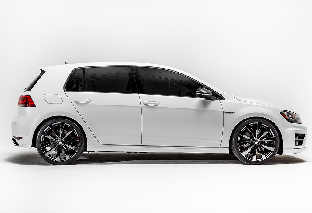 Шоу-кар Volkswagen Golf R 2016